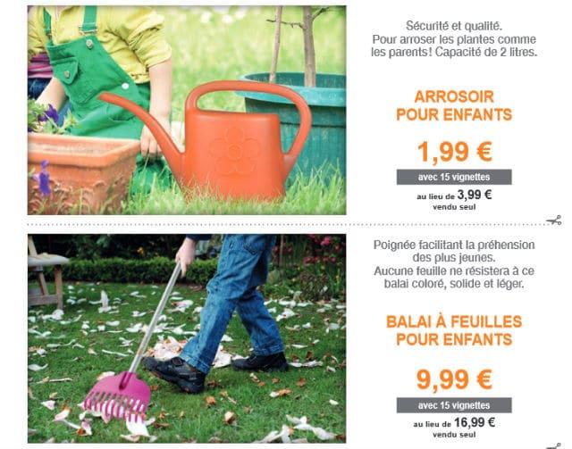 Arrosoir, balai, feuilles, bêche enfants Fiskars Auchan 2017